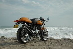 Ducati Sport 1000 by Clopin clopant, via Flickr