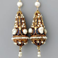 art served as source of inspiration for many archeological revival styles in the late century Victorian era. Etruscan granulation is the covering . Bead Jewellery, Gold Jewelry, Women Jewelry, Jewelery, Antique Necklace, Antique Jewelry, Vintage Jewelry, Byzantine Jewelry, Ancient Jewelry