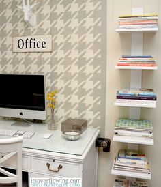 DIY Bookshelves for Teen Bedroom | DIY Floating Shelves by DIY Ready at http://diyready.com/diy-projects-for-teens-bedroom/