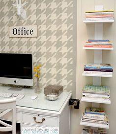 DIY Bookshelves for Teen Bedroom | DIY Floating Shelves by DIY Ready at http://diyready.com/diy-projects-for-teens-bedroom/