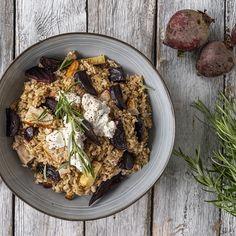 Ruokaisa salaatti, jossa pohjana Myllärin Kaura Ateriajyviä