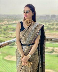 Indian Bridal Fashion, Indian Fashion Dresses, Indian Designer Outfits, Saree Fashion, Ethnic Fashion, Trendy Sarees, Stylish Sarees, Stylish Dresses, Party Wear Indian Dresses