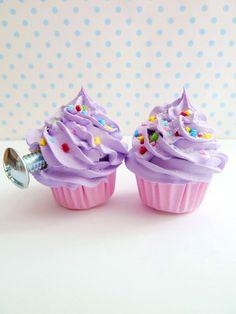 Alice nel paese delle meraviglie porta manopole per bambini tirare manopole set di manopole porta cupcake di 2 manopole comò (cucina, forno, camera ragazze) viola on Etsy, 11,92€