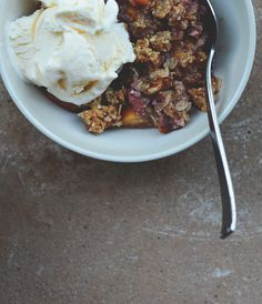 Gluten Free Strawberry Nectarine Crisp | Minimalist Baker Recipes