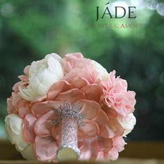 #bazsarózsa #pink #blushpink #menyasszonyicsokor Blush Pink, Jade, Wedding Rings, Crown, Engagement Rings, Jewelry, Light Rose, Enagement Rings, Corona
