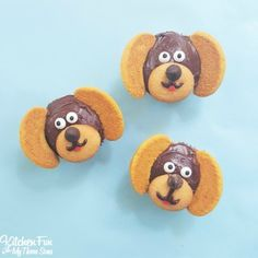 Easy Dog Cupcakes....these take minutes to make & such a cute cupcake idea…
