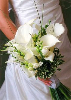 white calla lilies wedding bouquet