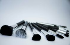 Amazon.com: Makeup Brushes - 11pc Makeup Brush Set - The Secret To A Flawless, Airbrushed Look - Luxury Premium Synthetic Hair With Holder C...