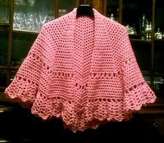 My work. Mantellina rosa. Lana Crilly della Mondial. Uncinetto n. 4.