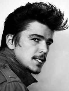Josh Hartnett por Mario Testino (VMan verano My Gosh! Josh Hartnett, Mario Testino, Vman Magazine, Pretty People, Beautiful People, Beautiful Boys, Modern Pompadour, Pompadour Style, Pompadour Fade