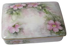 1910-1950 Hand-Painted Porcelain Box