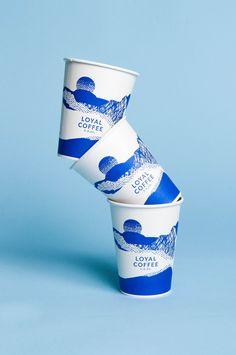 coffee branding Loyal Coffee by Mast, United States. Coffee Shop Branding, Coffee Packaging, Design Food, Menu Design, Design Design, Packaging Design, Branding Design, Stationery Design, Paper Cup Design