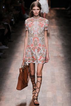 Valentino Spring 2015 Ready-to-Wear - Collection - Gallery - Look 17 - Style.com