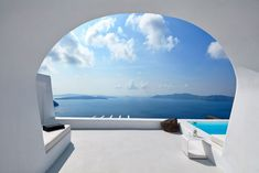 Aenaon Luxury Villas in Santorini is a small, boutique retreat on the edge of the Caldera, designed in style and with sweeping Aegean view between Imerovigli & Ola. Santorini Villas, Mykonos Island, Brand Building, Architecture Plan, Airplane View, Townhouse, Entrance, Outdoor, Architects