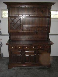 Ethan Allen Dark Antiqued Pine Old Tavern Dry Sink Cabinet Dry Sink