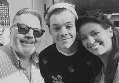 2,635 mentions J'aime, 11 commentaires – Harry Styles (@50stylesofharry) sur Instagram : «The loveliest family.»