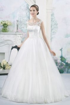 Like this:Like Loading. Bridal Dresses, Wedding Gowns, The Bride, Beautiful Outfits, One Shoulder Wedding Dress, Marie, Floral, Collection, Fashion