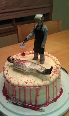 How awesome is this Dexter cake. So wanna make this for the premier of the last season of dexter! Dexter Cake, Dexter Cupcakes, Bolo Tumblr, Halloween Cakes, Halloween Meals, Dexter Halloween, Halloween Party, Food Humor, Love Cake