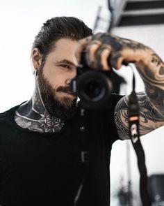 Beautiful Men, Beautiful People, Hot Guys Tattoos, Trendy Tattoos, Tatted Men, Epic Photos, Inked Men, Guy Pictures, Celebs