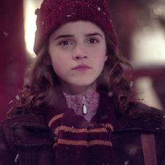 """""""I've had countless mothers come up to me and say, 'Thank you so much for giving my daughter a role model. She absolutely idolizes Hermione,' and I feel really privileged to have been able to play her. – Emma Watson #HarryPotter"""