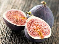 9 Delicious Fruits to Grow Indoors Peaches, grapes, figs and strawberries are just a few of the plants that can be grown right in your home.    Read more: http://www.rd.com/slideshows/9-delicious-fruits-to-grow-indoors/#ixzz2ek8IO3yx