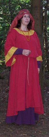 female anglo-saxon costume reconstructed    http://www.gelfling.dds.nl/anglo-saxon.html#