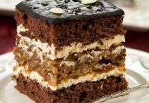 Prăjitură de nota 10! Blat pufos și cremă delicioasă Dessert Cake Recipes, No Bake Desserts, Delicious Desserts, Yummy Food, Romanian Desserts, Torte Recepti, Diy Cake, Something Sweet, Christmas Desserts