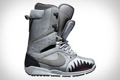 The Nike Zoom DK Quickstrike Snowboard Boots are new snowboard boots by Danny Kass with a double tongue. Check out these and other snowboard boots in the Revert webshop! Converse Black Sneakers, Slip On Sneakers, Casual Sneakers, White Sneakers, Vans Shoes, Shoes Sneakers, White Converse, Chunky Sneakers, Platform Sneakers