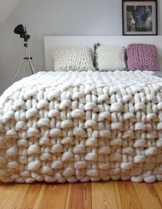 """Chunky knit throw, chunky wool blanket, giant knit blanket This is a luxurious handmade throw, which is hand knitted by me using extremely big needles and unspun merino wool.podkins: """"Today's Knitting in the Home pic is also available to purchase Giant Knit Blanket, Chunky Blanket, Chunky Knit Throw, Chunky Wool, Chunky Knits, Knitted Blankets, Merino Wool Blanket, Diy Blankets, Thick Blankets"""