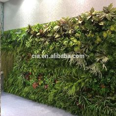 Outdoor Artificial Green Wall Made of Artificial Fern , Artificial Tree Leaf
