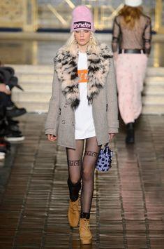 Alexander Wang at New York Fashion Week Fall 2016 - Runway Photos