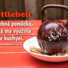 Čo ste dnes použili v kuchyni vy ? 😂 Píšte do kométu 😇 #koment #kettlebell #kitchen #dnesjem #jedlojecesta #sevenfitsk #fitnesspozitiv #nohungry #eatissuper #funnyfriday #niceday #instfriends #hello #fitnessczsk