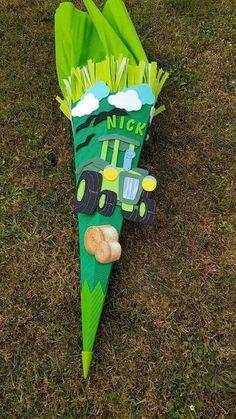 Schultüte Bastel-Set Traktor  oder fertig gebastelt 68 cm oder 85 cm Crepe Paper, School Bags, Tractors, Etsy, Kindergarten, Crafts, Painting, Color, Paper
