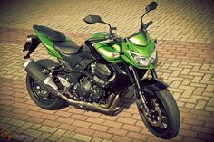 Uma moto por dia: Dia 246 – Kawasaki Z 750 #umamotopordia #osvaldofuriatto