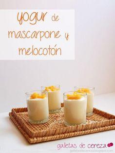 ¡Un postre perfecto en 5 minutos!: yogur de mascarpone y melocotón en almíbar