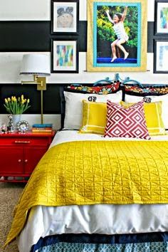 Olá queridos! Vejam que quartos maravilhosos e alegres. Quero falar deles... quartos que além de aconchegantes, são alegres, color...