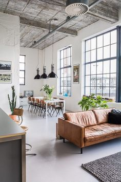 An awe-inspiring factory conversion / photography @everythingelze