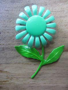 Vintage Mint Green Enamel Flower Pin/Brooch - Adorable