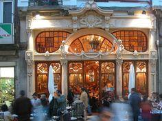 Quem não gostaria de ter a oportunidade de apreciar uma boa comida e bater papo em um local bonito requintado e cheio de história? Quer conhecer as duas confeitarias mais bonitas do mundo (uma delas no Brasil)? Confira o  http://ift.tt/1GmxtuY.