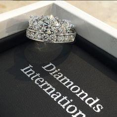 Round brilliant cut diamond trilogy and channel set wedder #diamondsinternational #brisbane #loveDI #diamonds #engagement #rings #marryme #wedding
