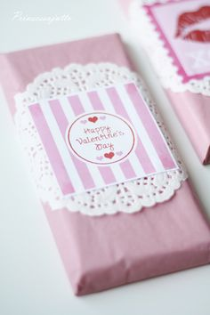 Prinsessajuttu: Ystävälle Valentines Day, Wraps, Container, Gift Wrapping, Diy Crafts, Hamper, Handmade Gifts, Party, Crafting
