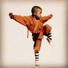 Little monk. Follow us on Facebook at www.facebook.com/theshaolinacademy  #shaolin #shaolinmonk #warrior #kungfu #shaolinacademy Tai Chi, Peace Art, Kung Fu, Yoga Fitness, Art Reference, Martial Arts, Stretching, Warriors, Monkey
