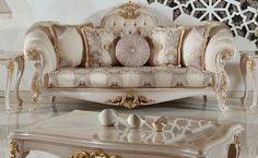 Kullanıcının isteğine göre sehpa takımı da ilave edilebilen klasik koltuk takımı mekana özel olarak istenilen renk ve ölçüde de üretilebiliyor.  http://www.asortie.com/koltuk-216-Elif-Klasik-Koltuk-Takimi