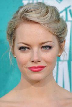 Emma Stone's Secret to Glowing Skin is BakingSoda - DIY Face Baking Soda Face Scrubb