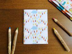 Caderno Chuva Colorida, do Atelier Joliz