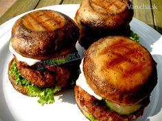 Šampiňónoburger  (fotorecept) Burger Recipes, Portobello, Salmon Burgers, Baked Potato, Hamburger, Grilling, Potatoes, Meals, Baking