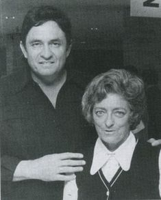 Johnny Cash with his mother-in-law, Maybelle Carter in Memphis, Mississippi Valley Music City Nashville, Carter Family, Country Musicians, Johnny Cash, American Country, Siblings, Memphis, Mississippi, My Music