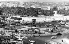 Bir zamanlar Taksim...Yaklaşan 1 Mayıs ile birlikte İstanbul Taksim Meydanı yeniden gündemimize oturdu. Peki geçmişten günümüze Taksim'in görünümü nasıl değişti? Neydi? Ne oldu? İşte Taksim'in tarihi yolculuğu... (Fotoğraflar: TRTHaber) 1950