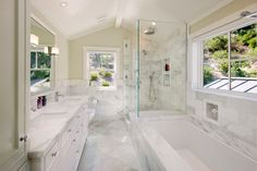 Traditional White Marble Bathroom Design Ideas, Pictures, Remodel, and Decor - page 4 Master Bathroom Layout, Small Bathroom, Bathroom Ideas, Master Bathrooms, Bathroom Designs, Houzz Bathroom, Guys Bathroom, Master Bedroom, Modern Bathroom