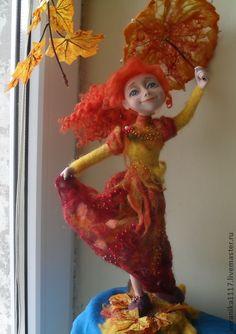 """Muñecas de colección hechos a mano.  Masters Feria - Muñecas hechas a mano """"Danza de caída de la hoja.""""  Hecho a mano."""